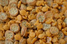 Good morning and Happy New Year y'all!  Hope your Holidays were fabulous!     Don't ya love a good snack mix?  I love Chex mix (and make a ...