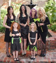 Lovely one of me and my bridesmaids back in February #wedding #weddingday #frenchquarter #bridesmaids #flowergirl #bride #gothicbride #gothicwedding #gothicweddingdress #goth #gothic #blackandgreen #blackweddingdress #themedwedding #february2016 #neworleans by _kellygolden_