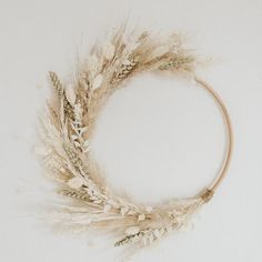 Dried Flower Wreaths, Dried Flowers, Grass Decor, Fleurs Diy, Dried Flower Arrangements, Boho Home, Floral Hoops, Autumn Wreaths, Diy Décoration
