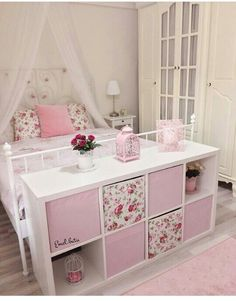 I love this setup. Lilys big girl bed with a cube organizer at the foot of the bed. The post I love this setup. Lilys big girl bed with a cube organizer at the foot of the b appeared first on Kinderzimmer. Big Girl Bedrooms, Little Girl Rooms, 6 Year Old Girl Bedroom, Bedroom Storage, Bedroom Decor, Bedroom Ideas, Girls Room Storage, Bedroom Bed, Modern Bedroom