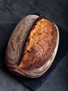 Špaldový chlieb s kváskom Lievito madre - Kváskovanie s Lievito madre Baked Potato, Potatoes, Bread, Baking, Ethnic Recipes, Food, Basket, Potato, Brot