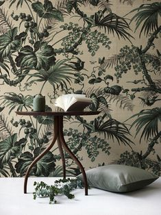 la perouse by Pierre Frey via elle Silk Wallpaper, Botanical Wallpaper, Pattern Wallpaper, Hallway Wallpaper, Inspiration Wand, Interior Inspiration, Interior Design Living Room, Interior Decorating, My New Room