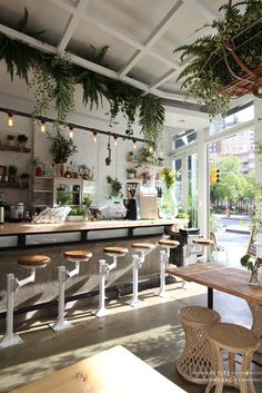 SCOOP!  The doors of the new Butcher's Daughter silently opened the doors just a week ago. I went there for breakfast this morning and loved it! You've probably heard about the first Butcher's Daughter on that lovely corner in Nolita (read my review here...