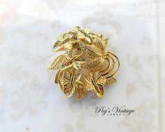 Vintage Leaf Cluster Gold Tone Scarf by PegsVintageShop on Etsy