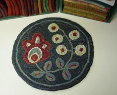 Flower & Berries Chair Pad Rug Hooking Pattern