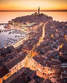 Adriatic Sea, Eastern Europe, Old Town, Paris Skyline, City Photo, Places, Rovinj Croatia, Instagram, Wonderful Picture