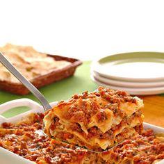 Lasagne di pane carasau con ragu e pecorino sardo   Donna Moderna