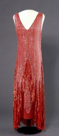 Dress - 1929 - Machine and hand sewn by machine woven silk fabric in plain weave, bead embroidered with plastic sequins and glass rods - Nasjonalmuseet for Kunst, Arkitektur og Design, Norway