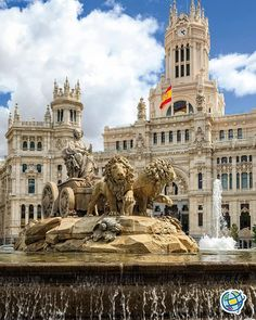 Cybele Statue designed in late by Ventura Rodriguez as part of Carolos III's scheme to beautify Madrid, Spain. Symbol of Madrid. Madrid Barcelona, Madrid City, Foto Madrid, Real Madrid, Places Around The World, Travel Around The World, Around The Worlds, Malaga, Valencia