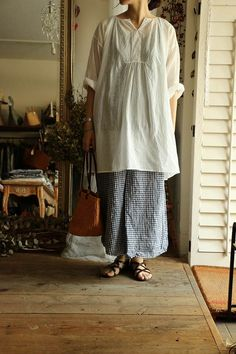 in High school I had a HUGE white blouse that I loved, I need one again, I used to wear a little indian vest with it a lot, but the huge pants of the 80s were narrow at the ankles. I love this for summer and I just got some great gauzy stripe cotton for pants!