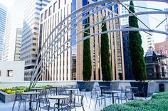 GARDEN TERRACE AT 150 CALIFORNIA STR-The Garden Terrace at 150 California has great views of the FiDi's gleaming office towers, and plenty of space to sit and take in some fresh air. A huge metal art installation adds some pizzazz to the terrace, and it's rarely ever crowded.