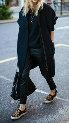- Total Street Style Looks And Fashion Outfit Ideas Looks Chic, Looks Style, Style Me, Black Style, Look Street Style, Street Chic, Street Styles, Adrette Outfits, Winter Outfits