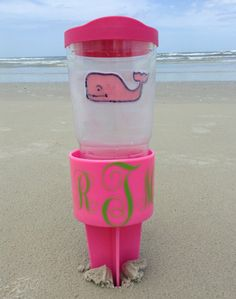 GENIUS! keeps your drink out of the sand! also super cute.