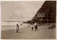 Hargrave family, Probably Hilda, Margaret and Geoffrey, Stanwell Park beach, unknown photographer by State Library of New South Wales collec. Old Photography, Street Photography, Old Photos, Vintage Photos, Running In The Rain, People Having Fun, Photographs Of People, Mother And Child, Beach Fun