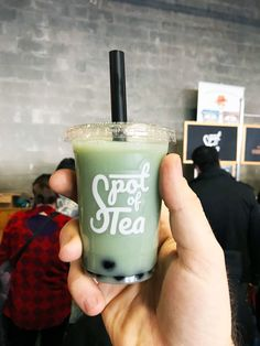Bubble tea is taking over the DC area, and Spot of Tea is representing at Emporiyum with their tasty Blue Jasmine Bubble Tea. Dc Food, Bubble Tea, Pint Glass, Jasmine, Nom Nom, Bubbles, Tasty, Tableware, Blue