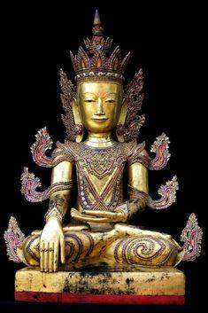 Early 18C Lacquer Shan Burmese Buddha
