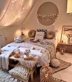 Cute Bedroom Decor, Room Ideas Bedroom, Small Room Bedroom, Home Bedroom, Bedroom Ideas For Small Rooms Cozy, Boho Bed Room, Cool Bedroom Ideas, Bedroom Decorating Ideas, Small Teen Room