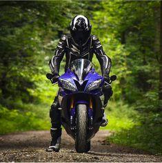Motorcycle Suit, Motorbike Girl, Moto Bike, Yamaha Motorcycles, Yamaha Yzf R6, Cars And Motorcycles, Biker Photoshoot, Motard Sexy, Cb 1000