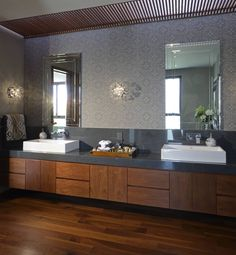 How can I use wallpaper in the bathroom? Bathroom Renos, Master Bathroom, Wood Bathroom, Bathroom Interior Design, Bathroom Inspiration, House Design, Home Decor, Mahogany Cabinets, Granite Countertop