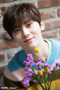 Photo album containing 10 pictures of Minhyun Minhyuk, Jinyoung, Nuest Kpop, Shanghai, Arin Oh My Girl, Nu Est Minhyun, Me Anime, Ong Seongwoo, Kim Jaehwan