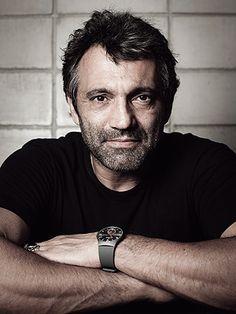 Ator já está escalado para série do GNT e novela da Globo. (Foto: Reprodução)