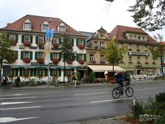 Cities In Germany, Berlin Germany, Old City, Bavaria, Our Life, How To Memorize Things, Street View, Mansions, House Styles