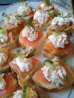 Lachshappen, a really tasty recipe from the class chilly. Rankings: Common: Ø Appetizers & Snacks Snacks Für Die Party, Appetizers For Party, Appetizer Recipes, Thanksgiving Appetizers, Gluten Free Puff Pastry, Healthy Snacks, Healthy Recipes, Good Food, Yummy Food