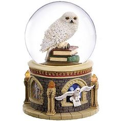 Harry Potter Characters Characteristics until Harry Potter Quiz Scholastic upon Harry Potter Cast Costumes; Harry Potter Cast Grown Up -- Harry Potter Cast Before And After Hedwig Harry Potter, Harry Potter Snow Globe, Objet Harry Potter, Harry Potter House Quiz, Harry Potter Thema, Harry Potter Bedroom, Harry Potter Merchandise, Harry Potter Houses, Harry Potter Books