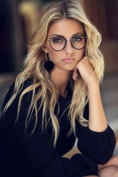 22 adorable fashion eyeglasses for women 2019 - Beautiful Lady Luck - Home Baran Cute Glasses, New Glasses, Girls With Glasses, Glasses Online, Blonde With Glasses, Eyeglasses For Women, Sunglasses Women, Luxury Sunglasses, Dani Diamond