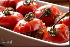 Rosii umplute cu carne detaliu Vegetables, Food, Meal, Essen, Vegetable Recipes, Hoods, Meals, Eten