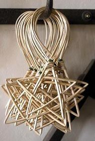 Christmas DIY: making willow christ making willow christmas decorations - Google Search #christmasdiy #christmas #diy
