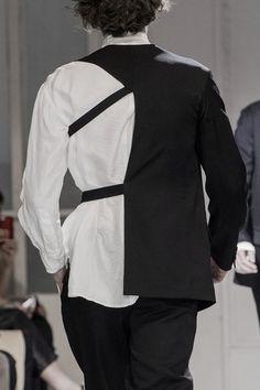 Yohji Yamamoto - Page 33 - StyleZeitgeist attach sleeve to something Runway Fashion, Fashion Show, Womens Fashion, Fashion Trends, Fashion Fashion, Textile Manipulation, Yoji Yamamoto, Japanese Fashion Designers, Mode Streetwear