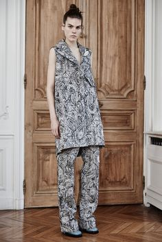 Ellery- Loved the cuts and the coats. thestyleweaver.com Fall 2015 Ready-to-Wear - Collection - Gallery - Style.com