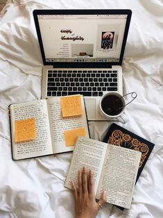My Top 5 Winter Reading Recommendations! College Motivation, Study Motivation, Study Organization, School Study Tips, Study Space, Study Hard, Book Aesthetic, School Notes, Studyblr