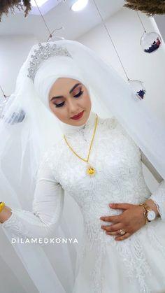 Muslim Wedding Gown, Wedding Hijab, Wedding Dresses, Stylish Dress Designs, Stylish Dresses, Muslim Fashion, Hijab Fashion, Hijab Style Tutorial, Arabic Dress