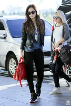 Kwon Yuri, myyy hearttt! Leather jacket, denim shirt, sunglasses, Air Jordans.