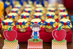 festinha-georgia-festas-branca-de-neve-12 First Birthday Cakes, Baby Birthday, Snow White Birthday, Some Body, Fiber Foods, Kinds Of Salad, Childrens Party, Princesas Disney, Princess Party