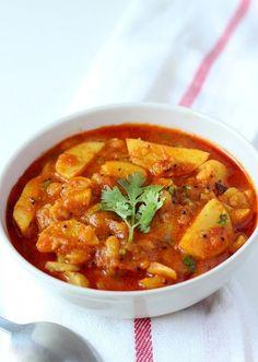 Rasawala Aloo Recipe (Rasawala Bateta nu Shaak) - Spicy tangy Indian curry of potato cooked in gravy of Indian spices. Veg Cutlet Recipes, Aloo Recipes, Cutlets Recipes, Veg Recipes, Indian Food Recipes, Asian Recipes, Vegetarian Recipes, Cooking Recipes, Healthy Recipes