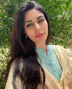 Afghan Girl, Indian Bikini, Asian Model Girl, Bollywood Celebrities, All About Fashion, Beauty Queens, Indian Beauty, Suits For Women, Girl Pictures