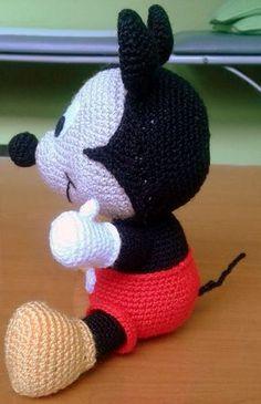 Crochet Mickey Mouse, Crochet Disney, Crochet Doll Pattern, Crochet Dolls, Crochet Patterns, Mickey Mouse Outfit, Baby Mickey, Crochet Baby Toys, Crochet Baby Clothes