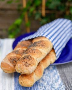 Types Of Bread, Our Daily Bread, Fika, Baguette, Hot Dog Buns, Bagel, Bread Recipes, Rolls, Food And Drink