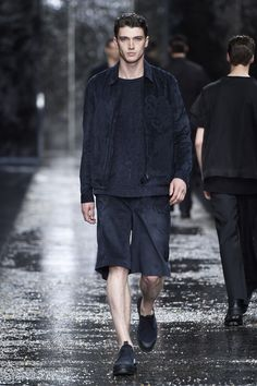 Look number 36 from the Fendi men's SS16 collection