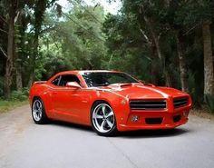 Mooi rood is niet lelijk! #insearchforV8 #v8 #muscle #power #red pic.twitter.com/9DaTtNkG5e