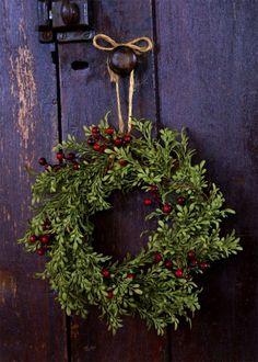 #maudjesstyling //  couronne de Noël en buis et baies rouges