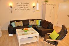 Trend-House XXL - für die Gruppenreisenden unter euch, gibt es hier ein großes #Ferienhaus auf Fehmarn zu mieten. Mit Liebe zum Detail eingerichtet, können bis zu 10 Personen hier wohnen. Die Terrasse mit großen Garten lädt zum Entspannen ein und bietet einen einmaligen Ausblick auf die Ostsee.