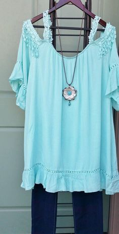 Boho Beauty Plus Size Cold Shoulder Tunic Top With Lace Trim Mint 1XL 2XL