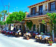Sofas Teverna Hersonissoksen yläkylässä on tunnelmallinen paikka lounaalle tai illalliselle. #Hersonissos #Kreeta #Aurinkomatkalla #Aurinkojahti #Aurinkomatkat