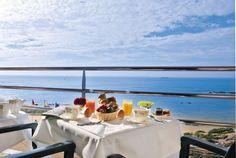 Pays de la Loire, Vendée, faîtes une escale à l'Atlantic Hôtel aux Sables d'Olonne face à l'océan et ressourcez-vous au Spa. Détente, cocooning, balades au bord de mer… Tout un programme !
