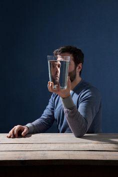 de correspondent - Wat er met je hoofd gebeurt als je het lichaam vergeet // schrijvster onderzoekt de effecten en oorzaken van haar burnout