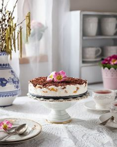 Nepečená broskyňová torta | Recepty.sk Tiramisu, Ethnic Recipes, Food, Meal, Eten, Meals, Tiramisu Cake